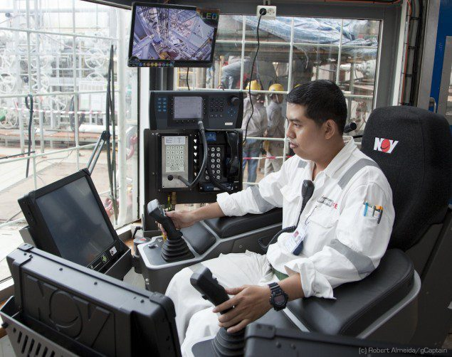 Checking out things on the driller's cyberchair (c) R.Almeida/gCaptain