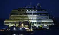 The Costa Concordia Parbuckling in HD Pictures