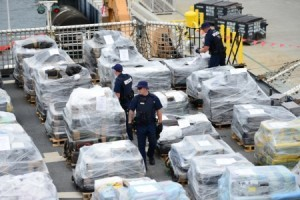 Coast Guard Cutter Stratton crew offloads 34 metric tons of cocaine in San Diego on Monday, Aug. 10, 2015. Photo: U.S. Coast Guard