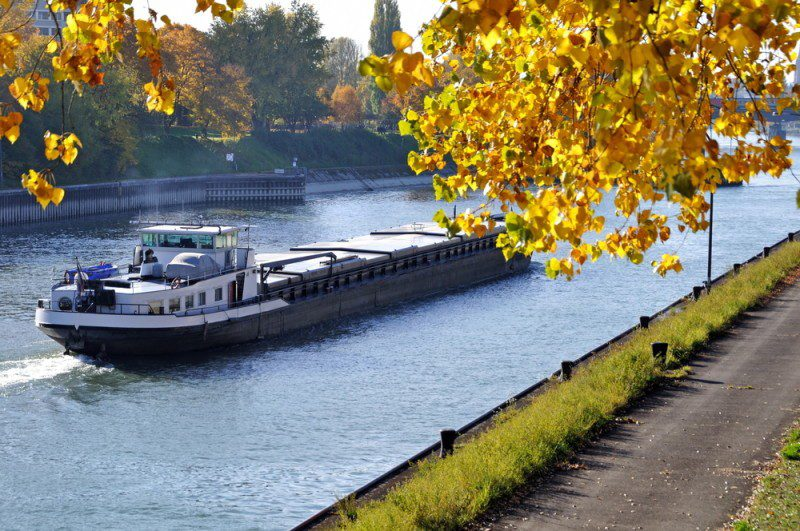 Rhine River shipping. Photo: Shutterstock/J.Schelkle