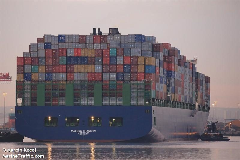 Maersk Shanghai loses containers